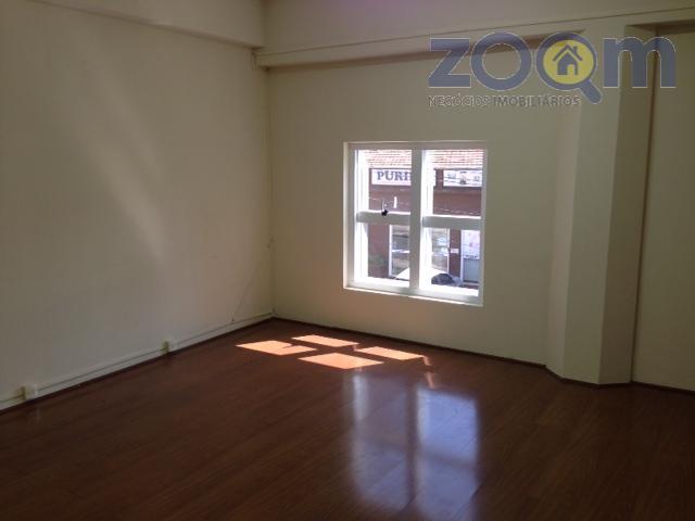 linda sala comercial frente toda em vidro no térreo do prédiolocalização privilegiada próxima a av 9...