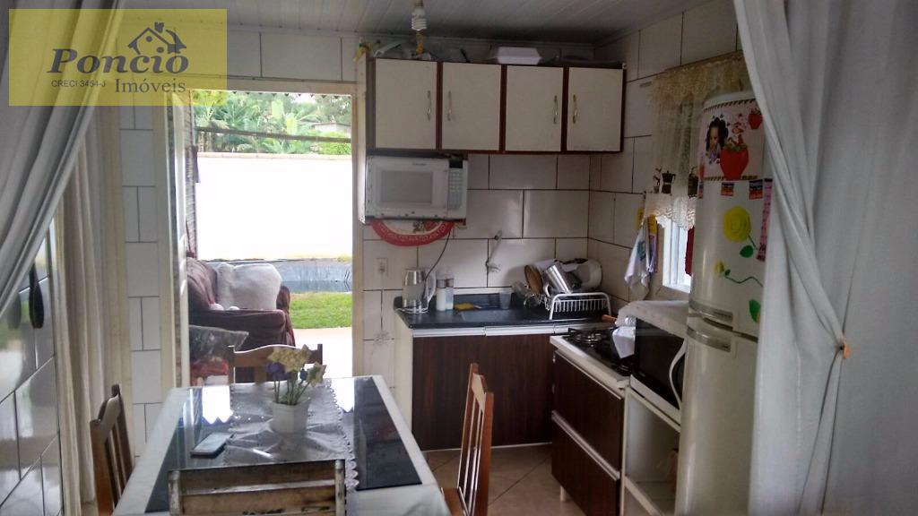 *oportunidade para quem quer sair do aluguel, casa em residencial fechado muito bem localizada na itoupavazinha,...