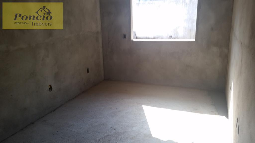 casa geminada em condomínio fechado no salto do norte contendo 02 dormitórios, copa cozinha e sala...
