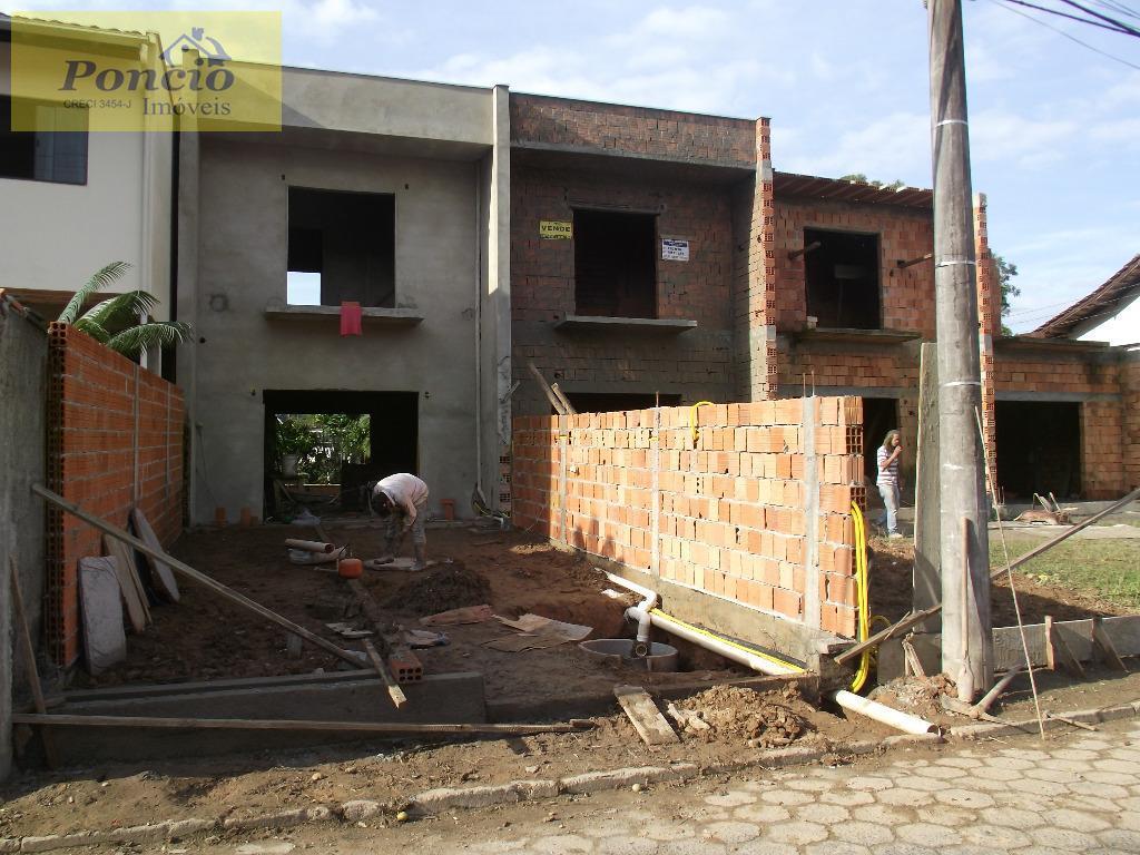 sobrado em construção com 83,92m² contendo 02 dormitórios com sacada, 01 banheiro social, 01 banheiro íntimo,...