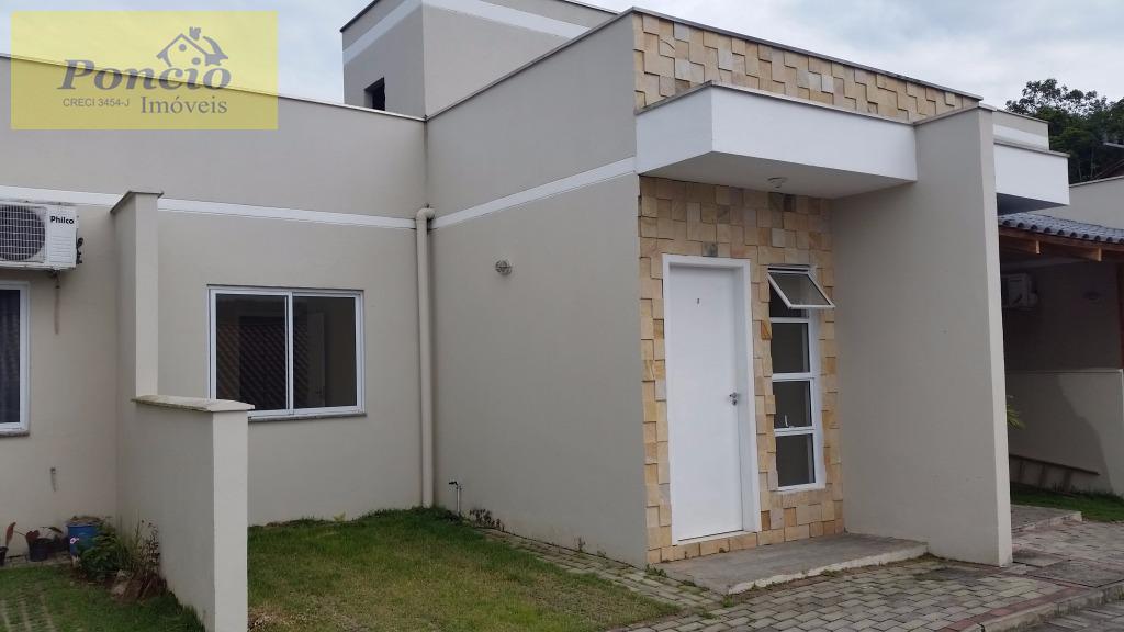 oportunidade !!!!!! excelente casa geminada contendo 02 dormitórios, sala de estar, copa e cozinha, bwc social,...