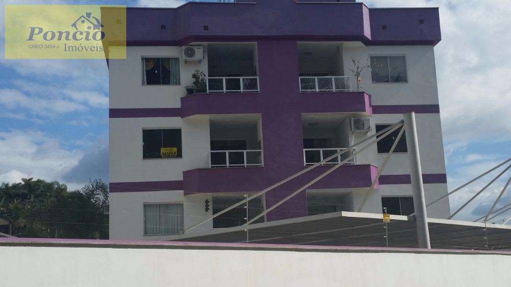 excelente apartamento em área privilegiada. contendo 02 dormitórios, bwc social, sala de jantar e estar integradas,...