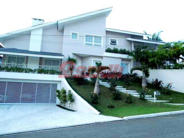 Casa residencial à venda, Condomínio V, Arujá.