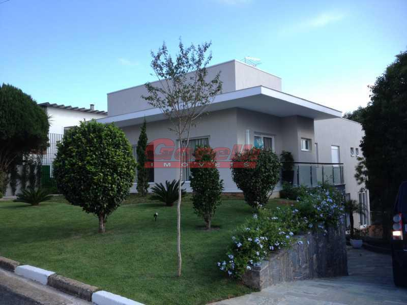 Casa residencial à venda, Condomínio Arujazinho IV, Arujá - CA0106.