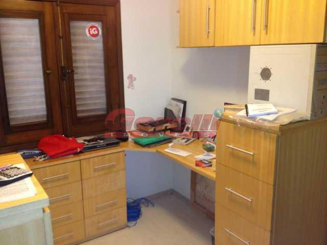 03 dormitórios sendo 01 suíte c/ closet, sala de estar, sala de jantar, sala de tv,...
