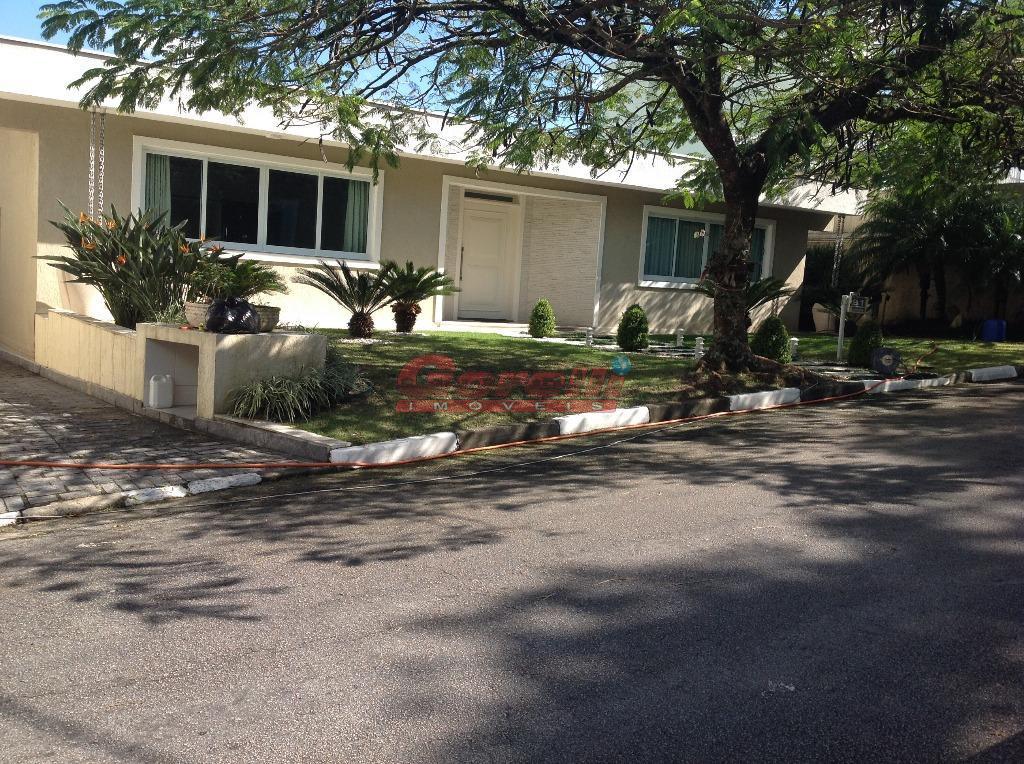 Casa com 4 dormitórios à venda, 600 m² por R$ 2.300.000 - Condomínio Arujazinho I, II e III - Arujá/SP