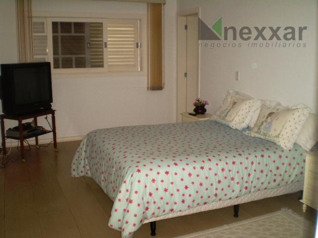 casa em condomínio em valinhosexcelente casa térrea em condomínio de alto padrão com 4 suítes todas...