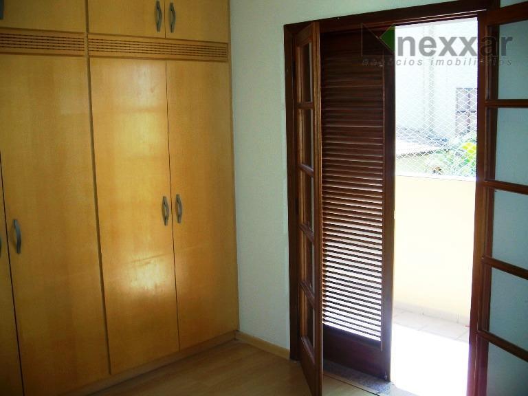 ótima casa assobradada com 3 dormitórios sendo 1 suíte todos com armários, living 2 ambientes, sala...