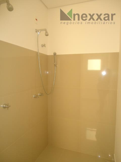 casa nova bem arejada e clean c/ 3 suítes amplas, sendo 1 com sacada e 1...