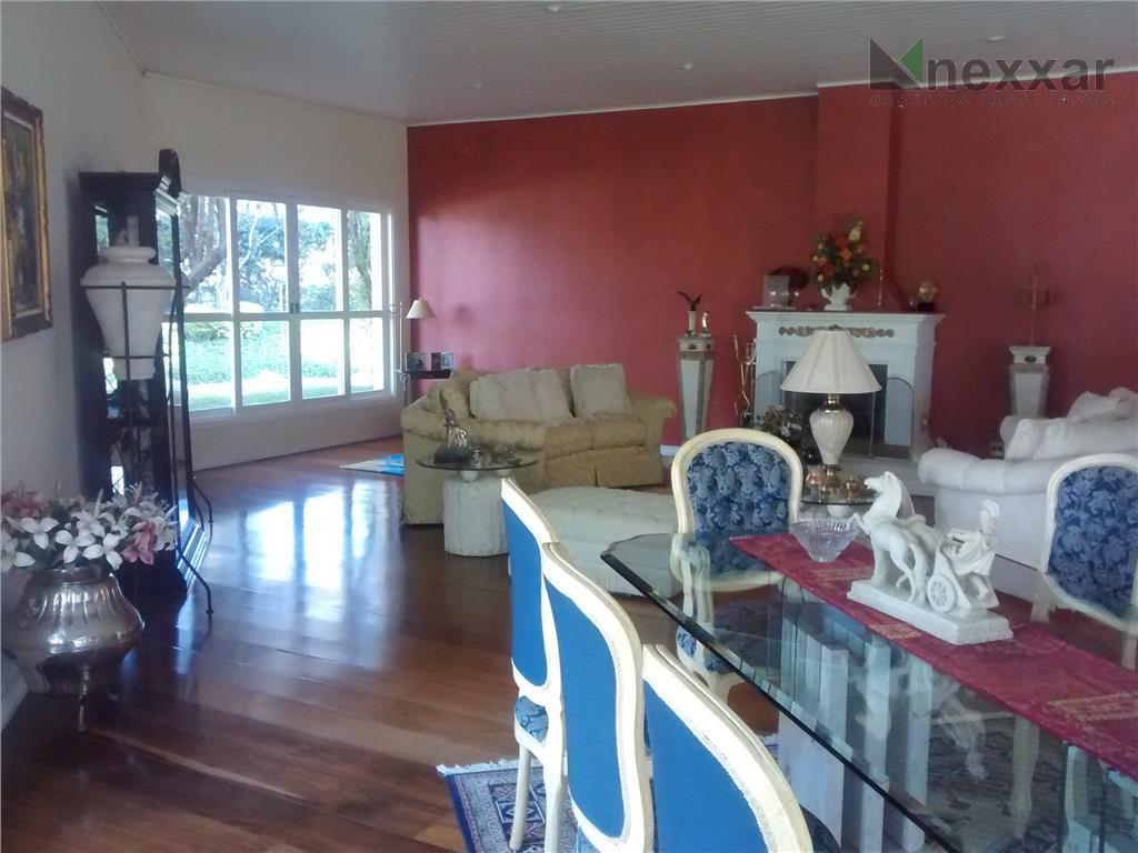 casa térrea de alto padrão sendo: casa principal: 4 suítes c/ armários e hidro e jardim...