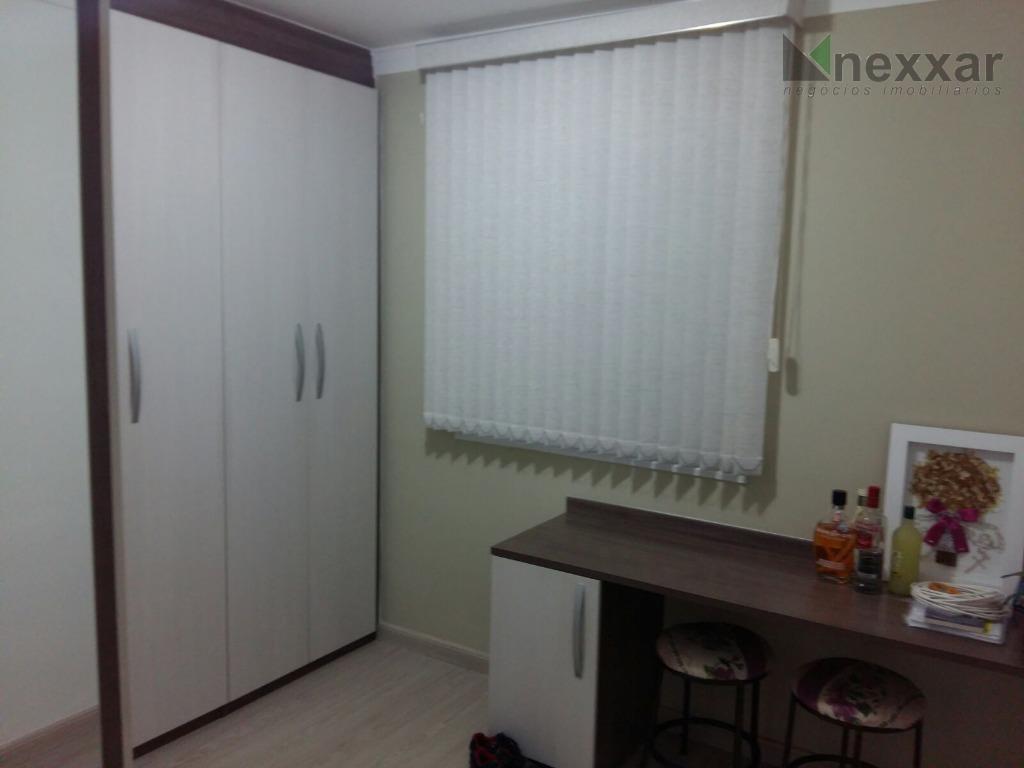lindo apartamento c/ 2 dorms c/ armários, sala de estar, banheiro social c/ gabinete e box,...