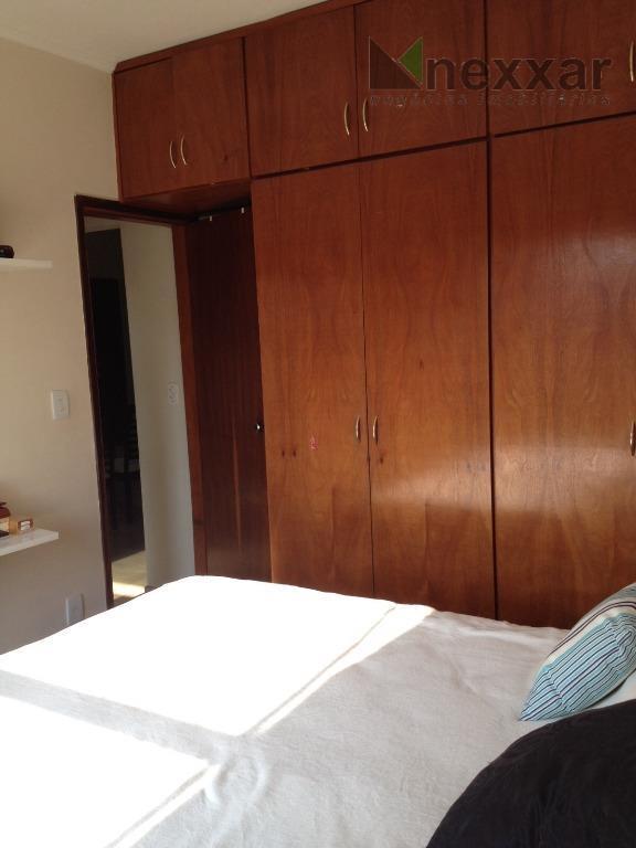 apartamento em excelente localização, sendo 2 dorms c/ armários, sala com sacada, , cozinha e lavanderia...