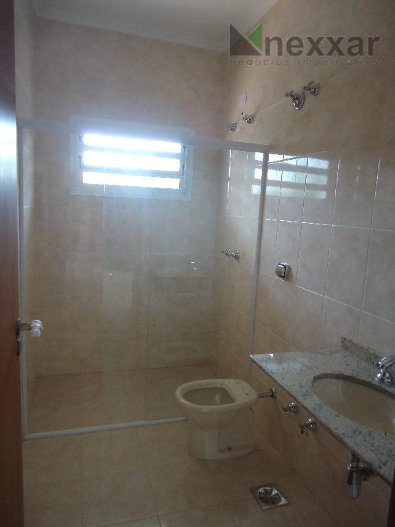 sobrado c/ living 2 ambientes, lavabo, cozinha, espaço gourmet, banheiro externo, área de serviço, 03 dormitórios...