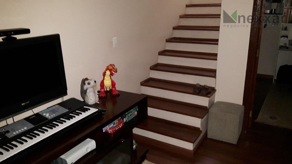 sobrado c/ sala de estar, sala de tv c/ lareira, sala de jogos, escritório, jardim de...