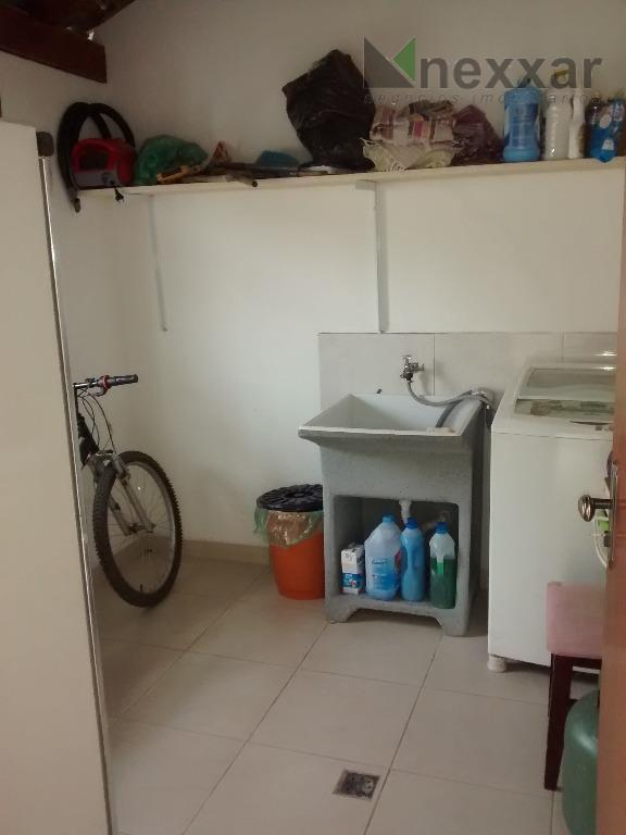 casa térrea c/ 3 dormitórios, sendo 2 suítes, salas de estar e jantar ampla, cozinha, área...