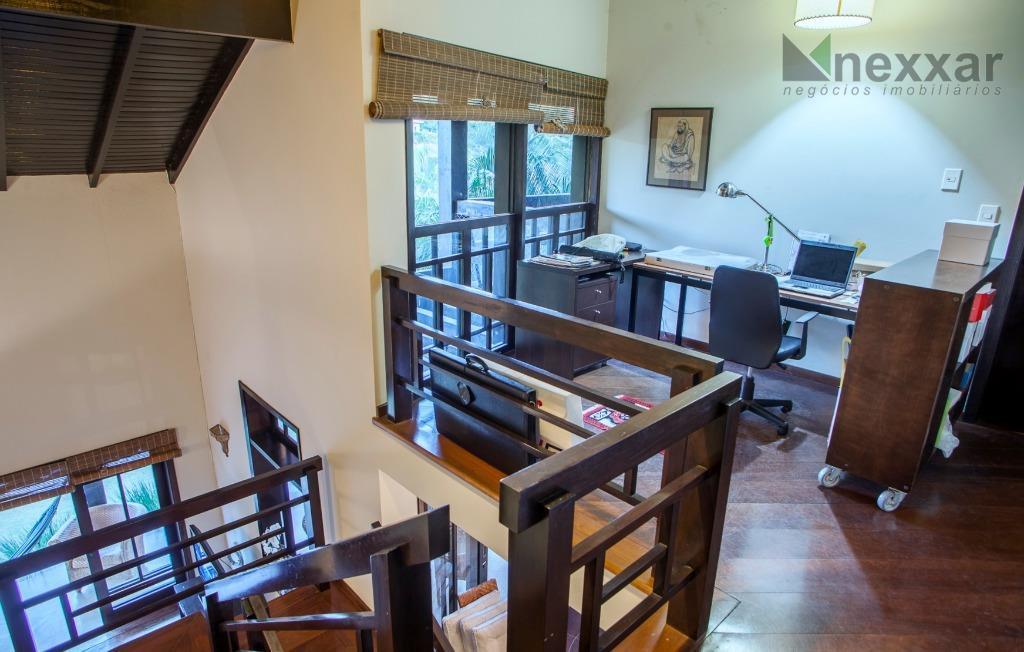 casa em valinhos condomínio fechadocasa em condomínio com excelente localização. estilo rústico, toda avarandada, sala de...