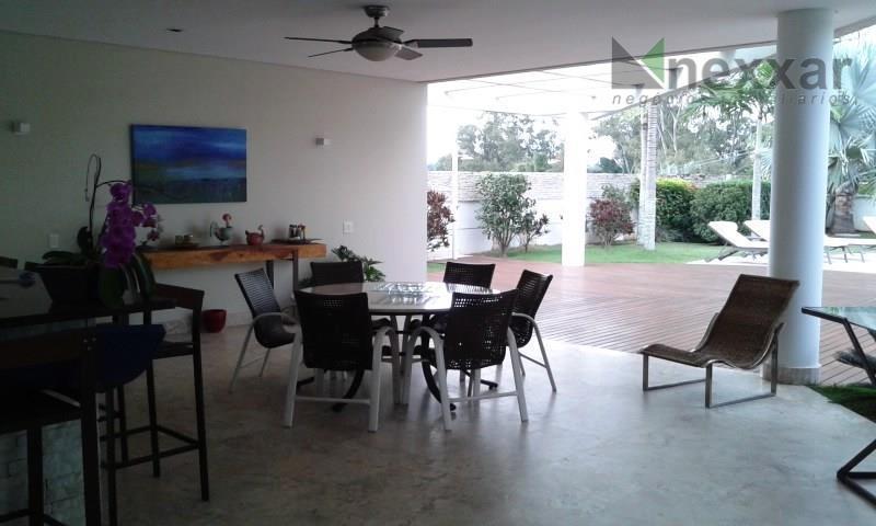 excelente casa em um dos melhores condomínios em valinhos. a casa possui 3 amplas suítes, todas...