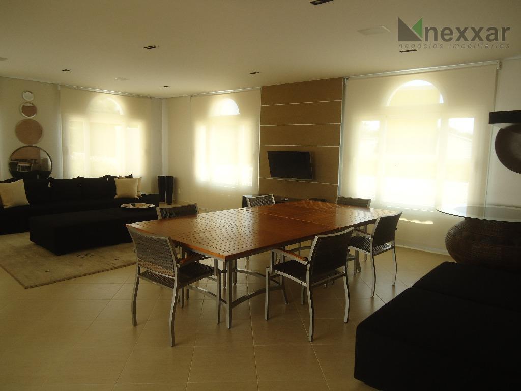 belíssima casa em condomínio de alto padrão c/ 05 suítes com armários planejados, sendo uma master,...