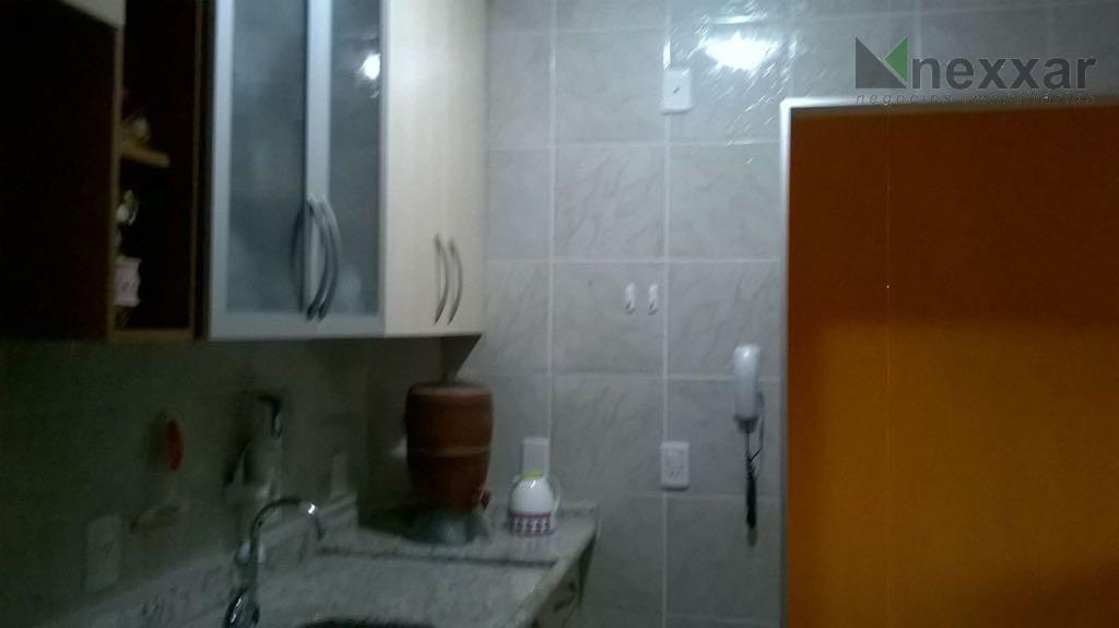 ótimo apartamento próximo do centro,sacada ,sala para 2 ambientes com ar condicionado,2 dormitórios,cozinha e área de...