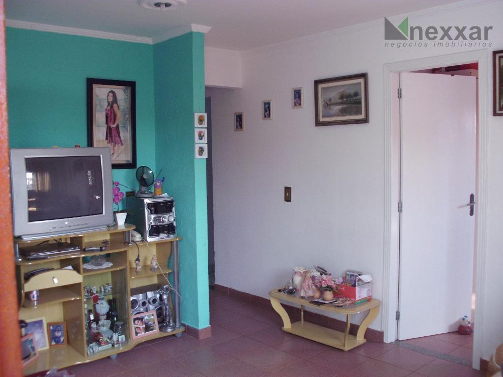 casa em bairro c/ 3 dorms (1 suíte), banheiro social, sala, cozinha, garagem, churrasqueira, quintal, área...