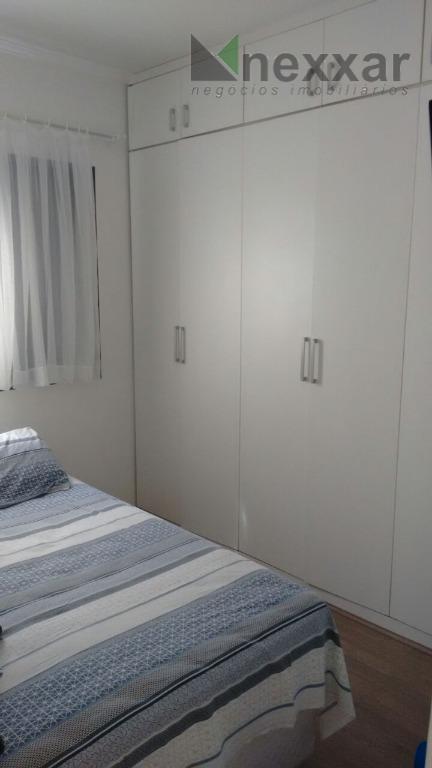 apartamento c/ 2 dormitórios (1 com armários planejados), living 2 ambientes, banheiro com box, cozinha planejada,...