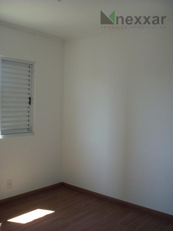 apartamento c/ 3 dormitórios, sendo 1 suíte, banheiros c/ box e gabinete, cozinha c/armários, área de...