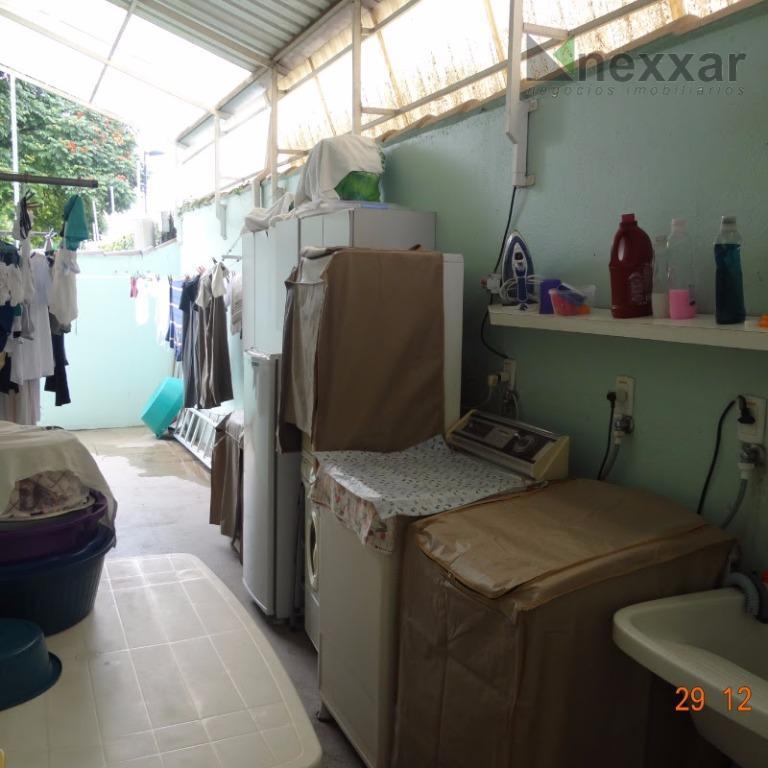 casa térrea em condomínio próximo ao colégio etapa, 2 dorms sendo 1 suíte com armários, sala...