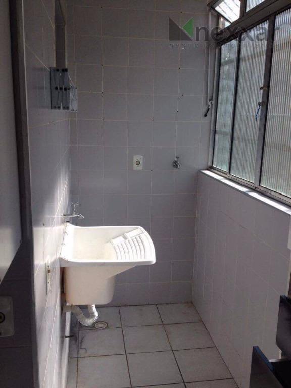 apartamento com 2 dormitórios,sala,cozinha,1 wc e área de serviço.estuda permuta com terreno.vale a pena conferir.