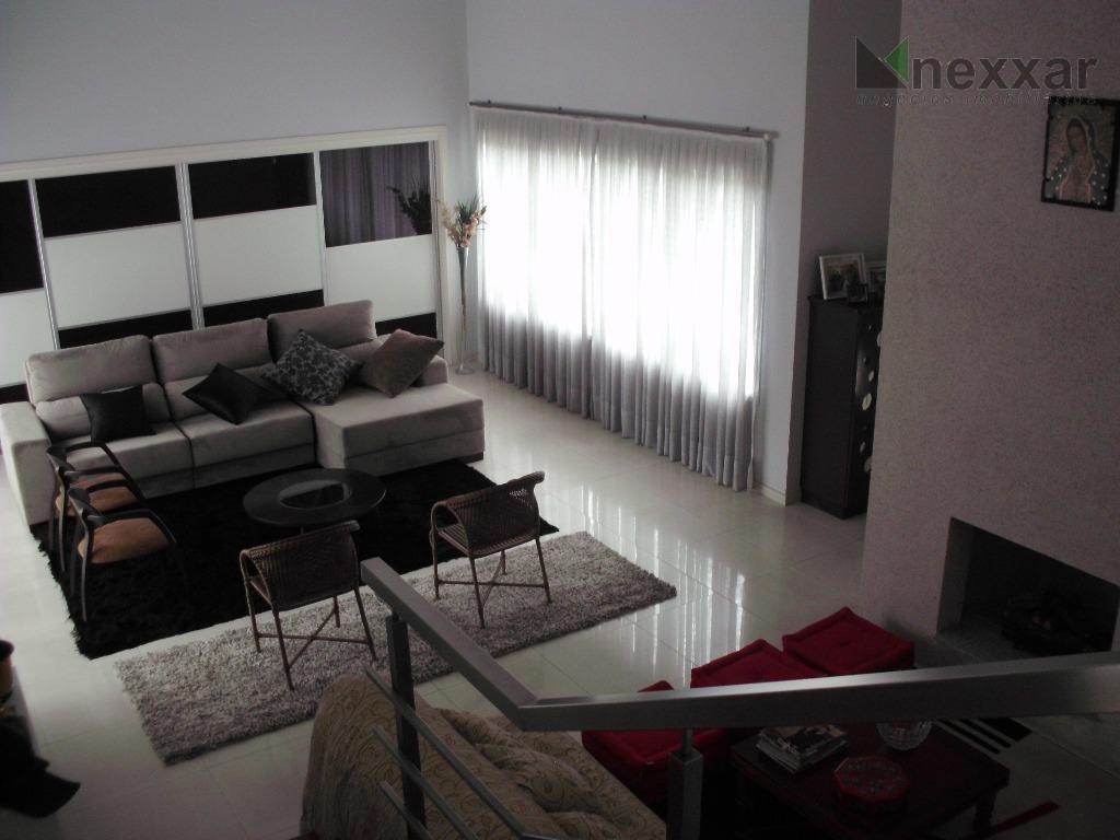 casa em condomínio fechado proximo ao colégio etapa, com 3 suítes c/ armários, salas de estar/...