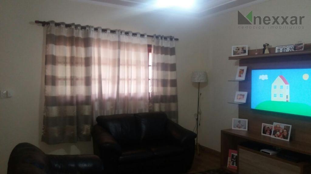 casa térrea em condomínio fechado com 3 dorms c/ armários (sendo 1 suíte), sala de estar,...
