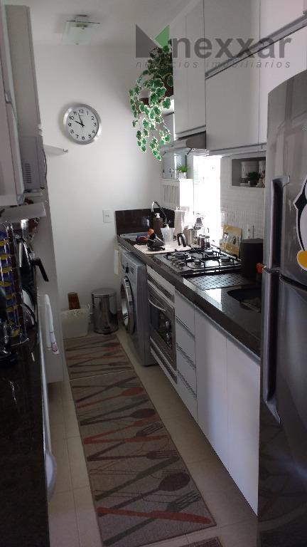 lindo apto com acabamento de primeira em condomínio com lazer,são 2 dormitórios,sala para 2 ambientes com...