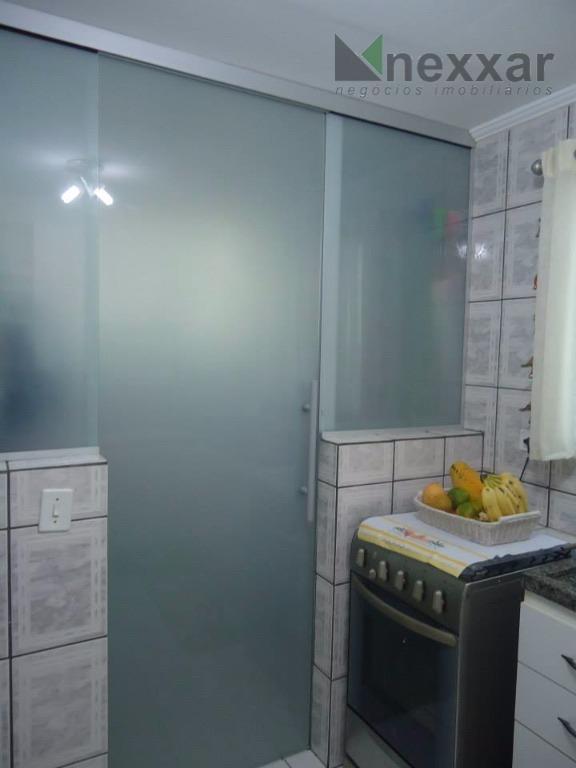 ótimo apartamento com 2 dormitórios , armários planejados,sacada e 1 vaga de garagem coberta. aceita financiamento.vale...