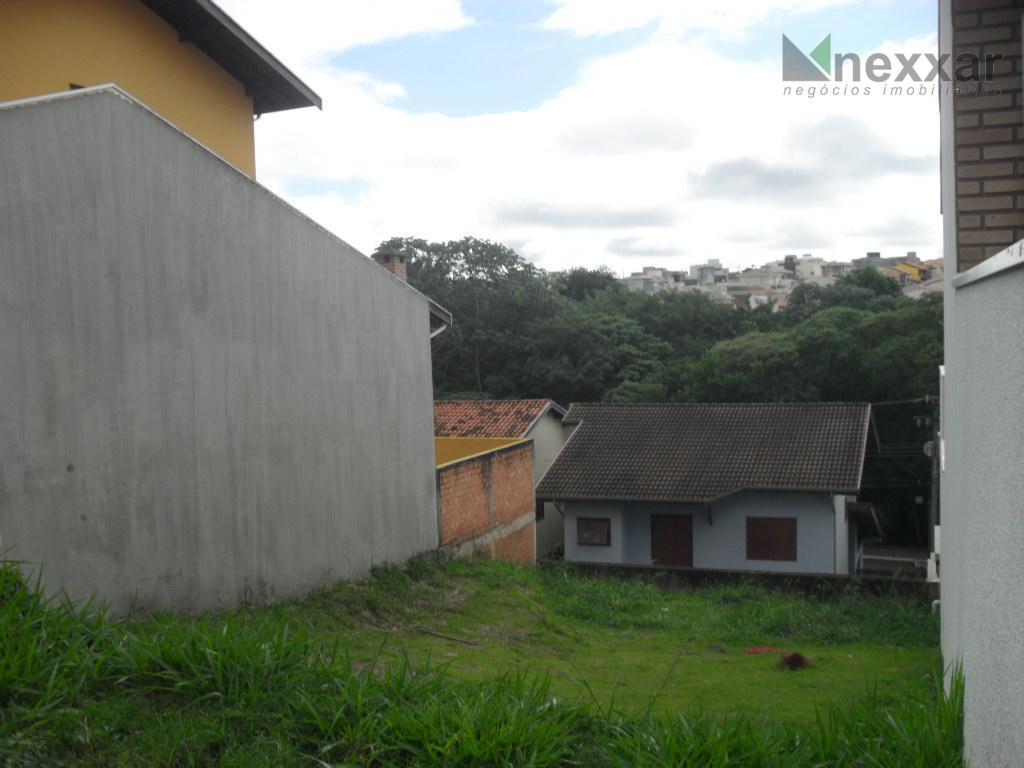 ótimo lote em condomínio com área de lazer e muito verde.