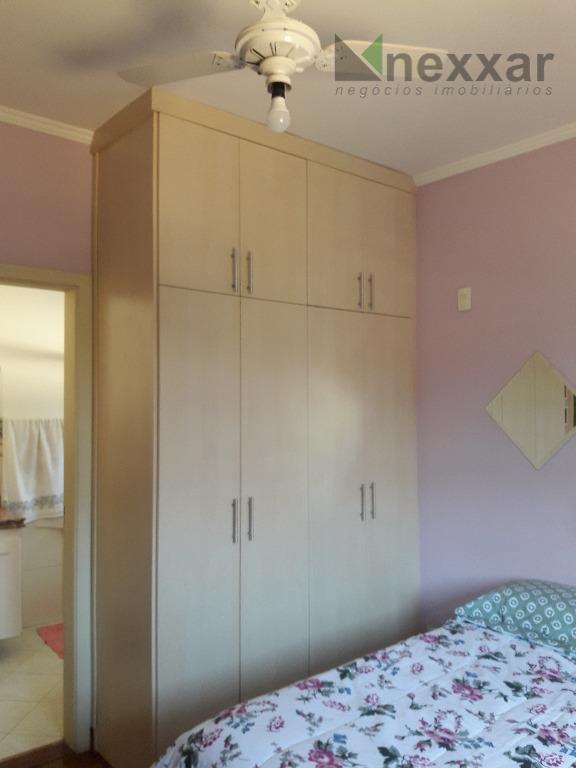 sobrado em condominio fechado c/ 4 dorms, sendo 2 suítes, lavabo, escritório, sala de estar, sala...