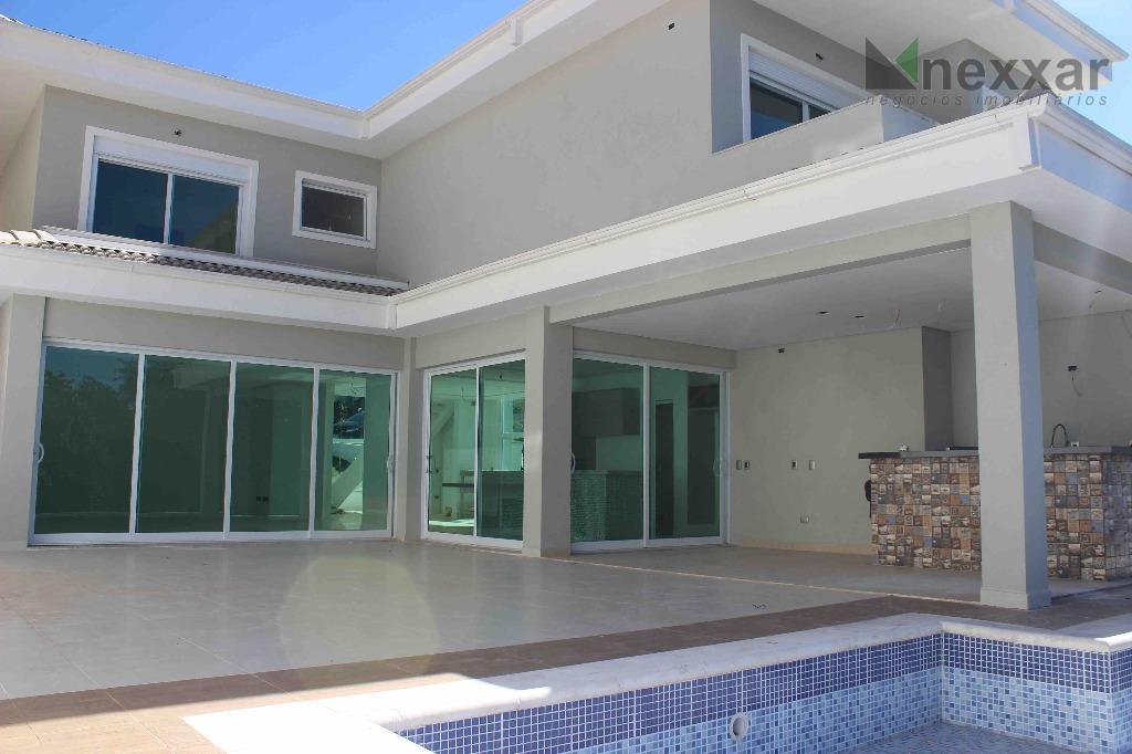 -excelente casa com área construída de 400m2 (2 pavimentos); - 3 3 suítes com closet -...