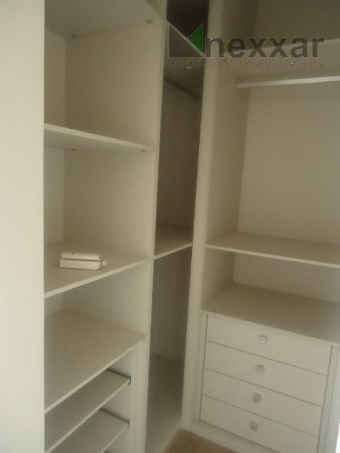 sobrado, novo, 3 suítes sendo 01 com closet. 3 salas, espaço gourmet com churrasqueira, lavabo, quinta...