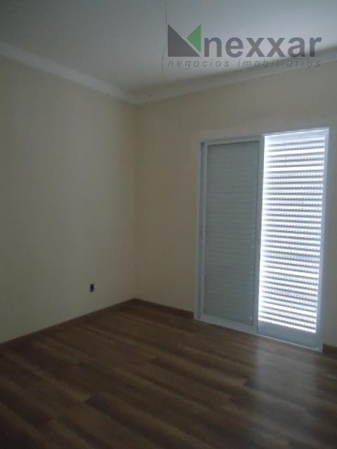 sobrado novo, com 3 suítes sendo 1 com closet, sala com 2 ambientes, espaço gourmet com...
