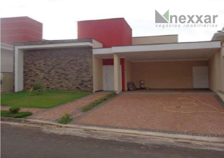 casa térrea com living 2 ambientes, lavabo, 3 suítes, cozinha c/ armários, área de serviços c/...