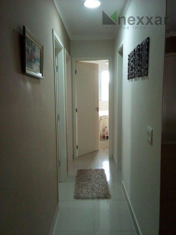 apto andar alto, com armários, 3 dorms sendo 1 suíte, 2 salas, 2 banheiros e 2...