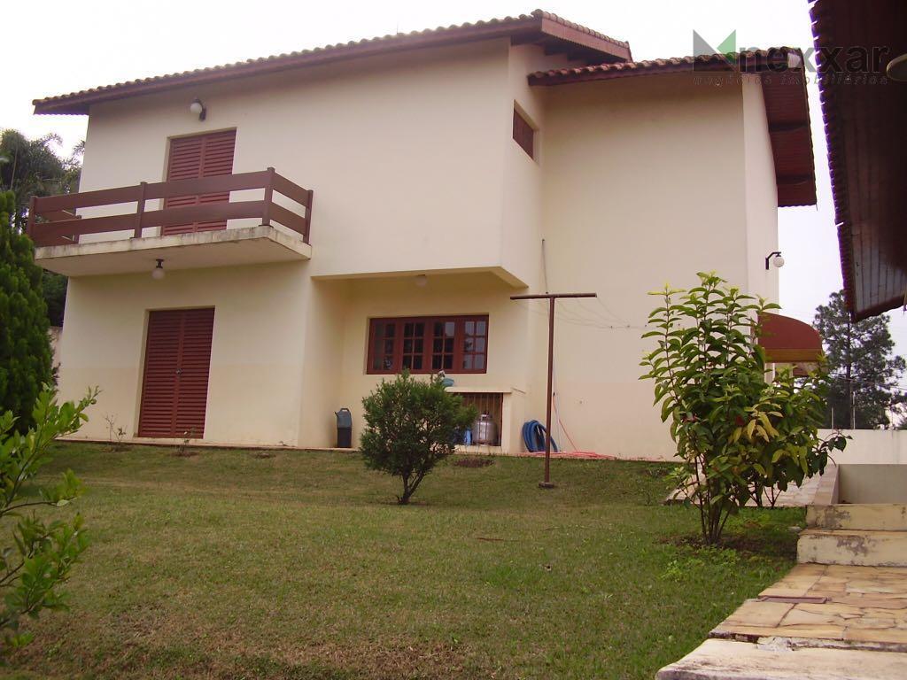 ótima casa para moradia ou lazer,  com 3 dormitórios,churrasqueira e piscina.vale a pena conferir!