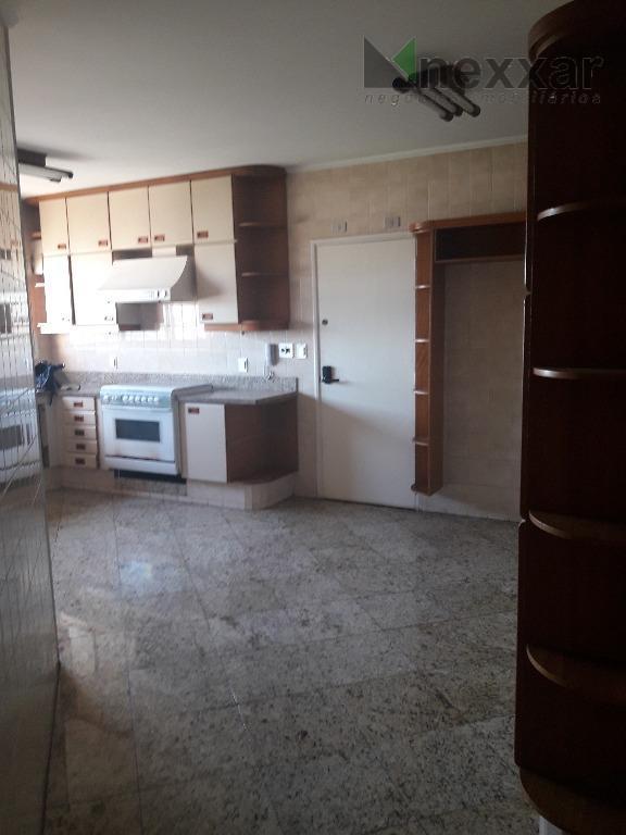 apartamento c/ 3 dorms c/ armários (1 suíte com closet), sala de estar/ jantar com varanda...