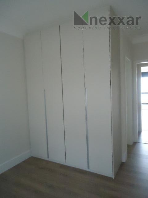 belo sobrado, região nobre de valinhos, 3 suítes sendo 1 com closet, 3 salas, lavabo, cozinha...