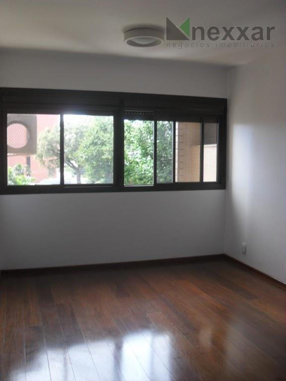 amplo apartamento no cambuí,1 por andar ,com 3 dormitórios,sendo 2 suítes,sacada fechada,copa,cozinha,sala para 3 ambientes,home theather,dependência...