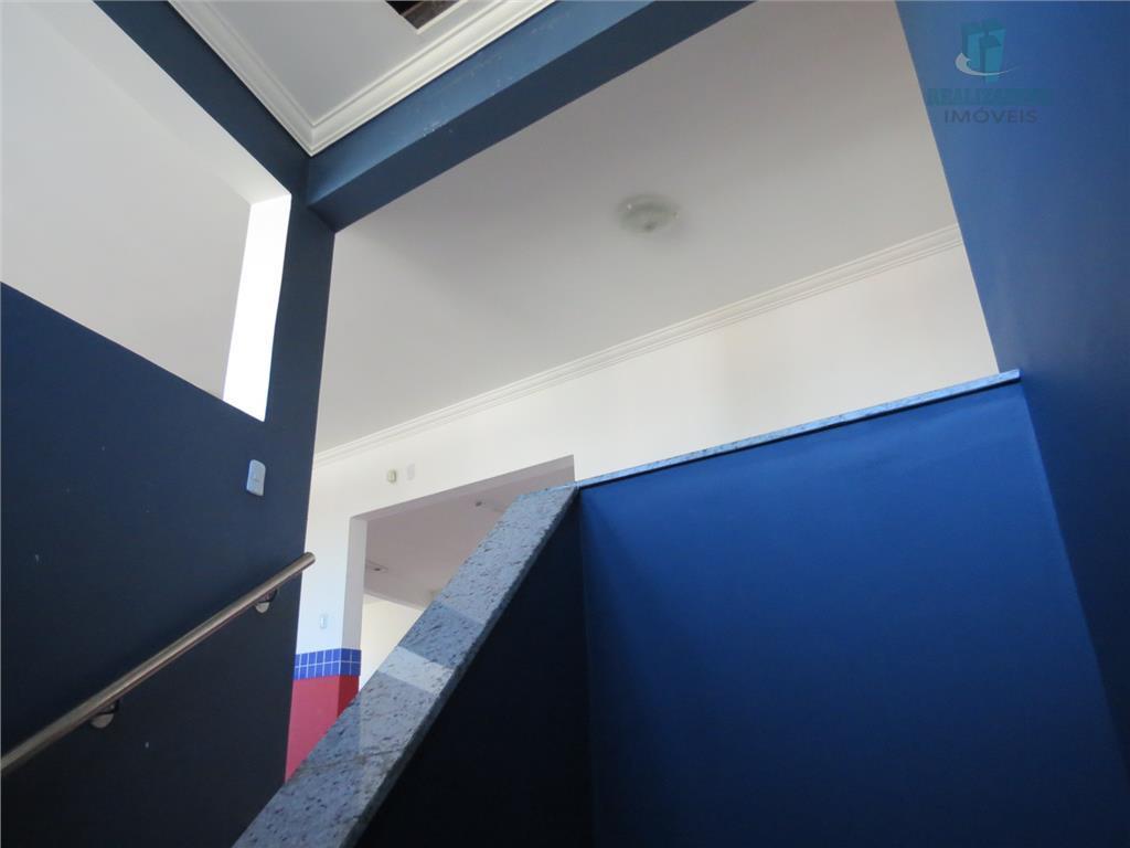 Escada acesso 2º pavimento