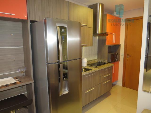 Cozinha com eletrodomésticos