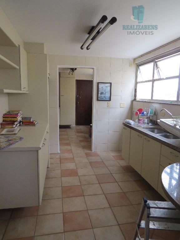 Cozinha c/ armários