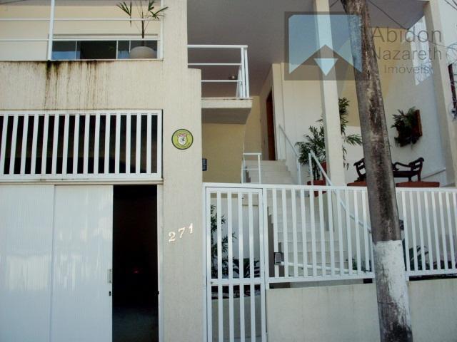 casa estilo moderno na parte alta, atrás do canal de são francisco. completa de 3 pavimentos.1°...