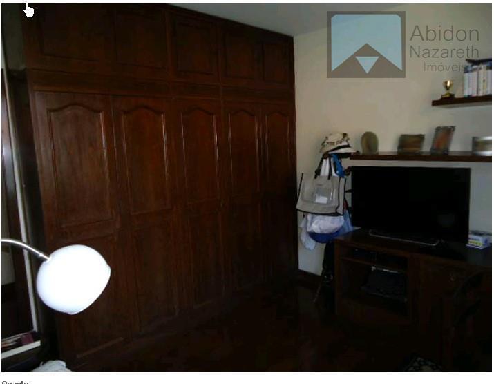 belíssima residência,construída em centro de terreno plano com 530 m²,sala com 3 ambientes,mais 1 sala íntima,4...