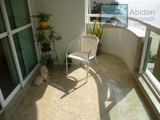 excelente apartamento 1. quadra da praia, composto de varanda, salão, lavabo, saleta, quatro quartos sendo duas...