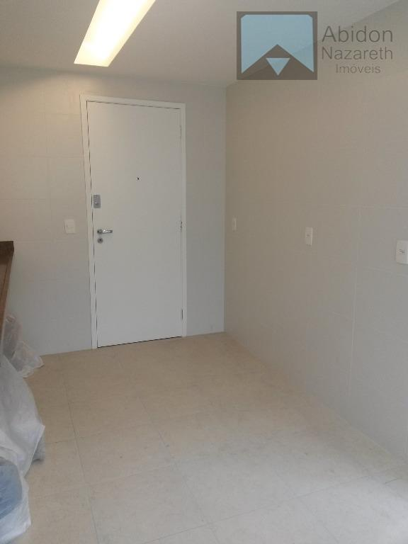 excelente apartamento, todo reformado, composto de varanda, sala e dois quartos, sendo uma suíte, um banheiro...